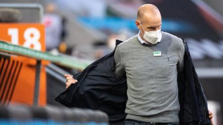 Trainer Heiko Herrlich scheint seinen Job beim FC Augsburg zu verlieren.
