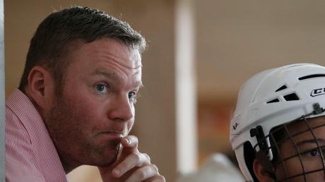 Der Augsburger Christian Keller wird coronabedingt noch eine Weile warten müssen, bis er sein neues Amt als Bundestrainer der deutschen Skaterhockey-Nationalmannschaft so richtig ausüben kann.