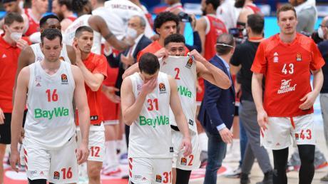 Bayern München hat in der Viertelfinalserie der Euroleague gegen Armani Mailand Basketball-Deutschland begeistert. Aber nach dem fünften Spiel am vergangenen Dienstag ließen die Spieler die Köpfe hängen.