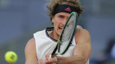 Alexander Zverev trifft im Viertelfinale des ATP-Turniers in Madrid auf Sandplatz-König Rafael Nadal.