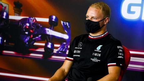 Trotz Gerüchten aus Großbritannien bangt Valtteri Bottas nicht um seinen Job bei Mercedes.