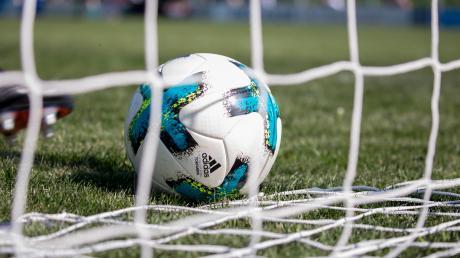 Der FC Hofstetten vermeidet gerade noch einen Ausrutscher. Nach dem Abpfiff wird es turbulent.
