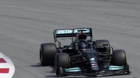 Weltmeister Hamilton geht beim Großen Preis von Spanien von der Pole ins Rennen - seiner 100. Pole Position in der Formel 1.