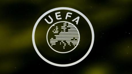 Die UEFA verschärft ihre Drohung gegen die verbliebenen drei Gründungsmitglieder der gescheiterten Super League.