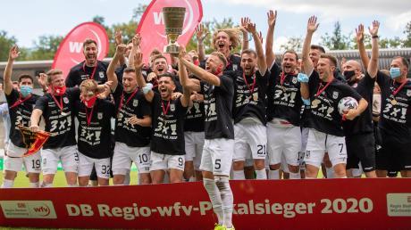 Mit einem Finalsieg gegen Balingen haben die Ulmer im vergangenen Jahr den Pokal geholt und Balingen könnte erneut der Gegner sein.