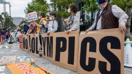 Viele Japaner sind gegen die Ausrichtung der Olympischen Spiele in Tokio.