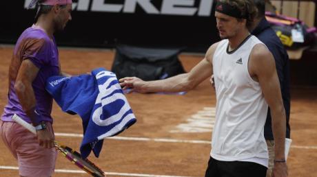 Musste sich in Rom Rafael Nadal (l)geschlagen geben: Alexander Zverev.