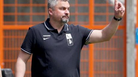 Trainer Thomas Reis will mit dem VfL Bochum den Aufstieg perfekt machen.