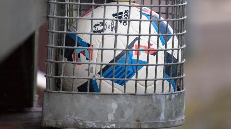 Eine Saison zum Wegwerfen liegt hinter den Fußballern im Landkreis Landsberg. Wegen der Corona-Pandemie konnten über Monate keine Spiele ausgetragen werden. Jetzt erfolgt der Abbruch.