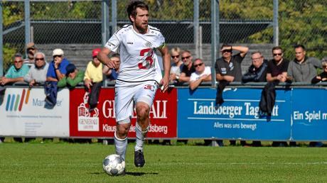Sebastian Bonfert ist bislang Kapitän der Fußballer des TSV. Jetzt geht der Lenker des Landsberger Spiels aber von Bord aus Enttäuschung über das Verhalten der Verantwortlichen und wegen des neuen Konzepts.