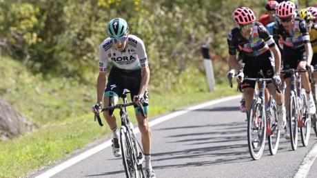 Emanuel Buchmann (l) ergriff beim Giro die Initiative.