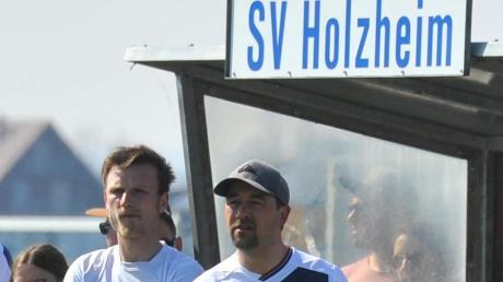 Tobias Ott(rechts) vom SV Holzheim.