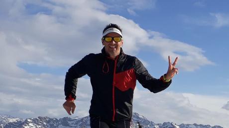 Triathlet und Polizist Tom Weikert gibt Tipps, wie man das Training so gestaltet, dass man besser wird, und auf welche Signale des Körpers man hören sollte. Er nimmt auch im Winter an Läufen teil.
