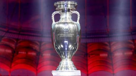 Italien und England treffen im EM-Finale aufeinander. Wer hat die besten Chancen auf den Pokal? Unsere Gegenüberstellung zeigt, wer Vorteile hat.