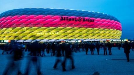 Zur Fußball-EM sind nach langer Zeit wieder Zuschauer erlaubt, allein 14.000 werden es bei den Spielen in München sein.