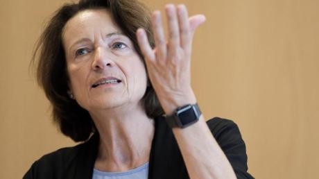 Dagmar Freitag kritisiert den DFB und den DOSB.