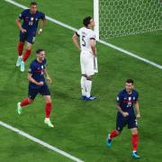 Bitter: Mats Hummels schoss das einzige Tor in der Partie zwischen Deutschland und Frankreich - leider war es ein Eigentor.
