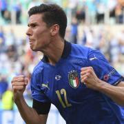 Italien hat bei der EM 2021 bisher überzeugt. Im Achtelfinale spielt das Team gegen Österreich. In diesem Artikel gibt es die Infos zur Übertragung im TV und Stream.
