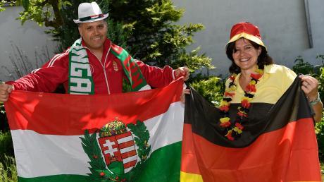Barbara und Istvan Walczer haben Karten für das Spiel Deutschland gegen Ungarn in der Arena in München. Istvan ist absoluter Ungarnfan, seine Frau ist natürlich für Deutschland.