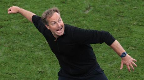 """Wer kann am Ende unseres """"NR-Tippfiebers"""" genau so jubeln wie Dänemarks Trainer Kasper Hjumland über den Achtelfinal-Einzug seiner Mannschaft?"""