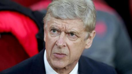 FIFA-Chefentwickler Arsène Wenger will die UEFA von einer Reform der WM überzeugen.