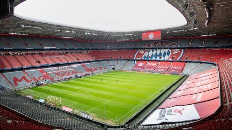 Die leere Allianz Arena ist vor Spielbeginn zu sehen.