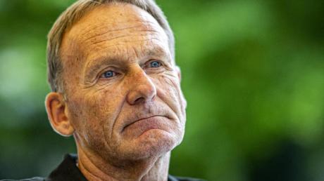 Schaut trotz Zuschauerrückkehr noch besorgt in die Zukunft:BVB-Boss Hans-Joachim Watzke.