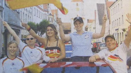 Auch die Fans in der Dillinger Königstraße feierten die WM 2006 voller Freude.