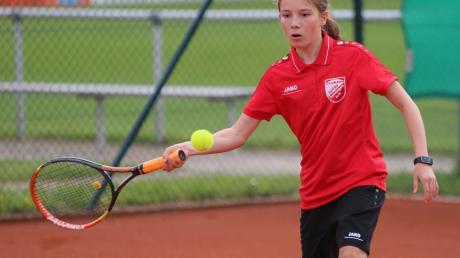 Leni Zweschper von der SpVgg Deiningen gewann sowohl ihr Einzel als auch im Doppel.