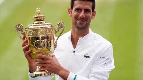Wimbledonsieger Novak Djokovic lässt seine Olympia-Teilnahme offen.