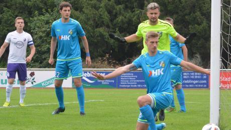 Bis auf zwei Gegentreffer konnten Maximilian Heckel (vorne), Torhüter Dragan Ignatovic und Fabian Krug (links) das Aystetter Tor abschirmen.
