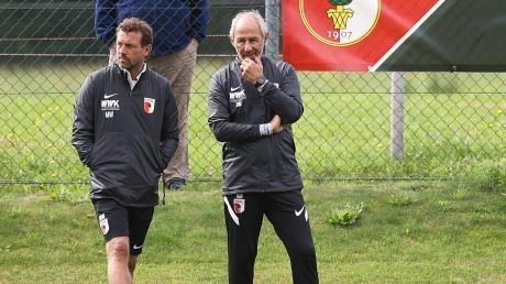 Markus Weinzierl (links) und Co-Trainer Reiner Maurer werden am Samstag nicht ihre Top-Elf zur Verfügung haben.