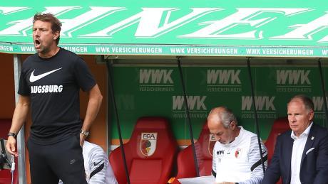 Erfolgreich wie früher? Trainer Markus Weinzierl (links) und Sport-Chef Stefan Reuter (rechts, in der Mitte Co-Trainer Rainer Maurer) erhoffen sich eine ruhigere Saison mit frühzeitigem Klassenerhalt.