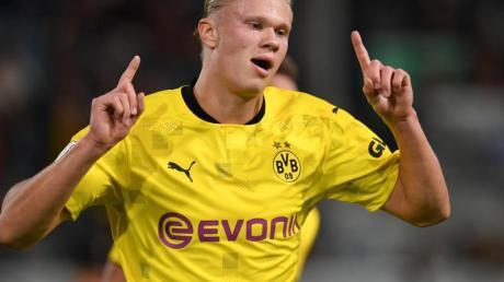 Der Weltklasse-Stürmer startet gut in die neue Pflichtspielsaison: Gegen den SVWehen Wiesbaden erzielt der Norweger alle drei Tore seiner Mannschaft.