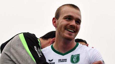 Überglücklich war FCG-Debütant Dennis Lechner nach dem Siegtreffer gegen Türkspor Augsburg.