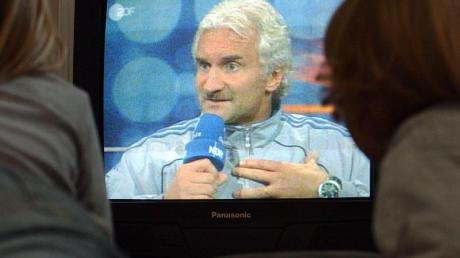 Legendäres Interview: Rudi Völler nach dem 0:0 der DFB-Elf gegen Island in Reykjavik.