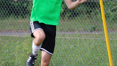 Joshua Hofecker erzielte das erste Saisontor für die U17 des TSV Nördlingen.