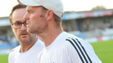 Am Dienstag Pokal, am Freitag schon wieder Liga: Die Mannschaft der FVI-Trainer Marco Konrad (rechts) und Timo Räpple ist derzeit im Dauerstress.