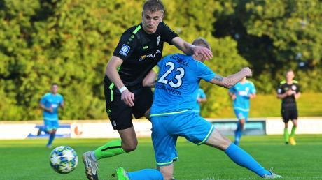 Aus dem TSV-Mittelfeld nicht wegzudenken ist Jonathan Grimm (schwarzes Trikot).