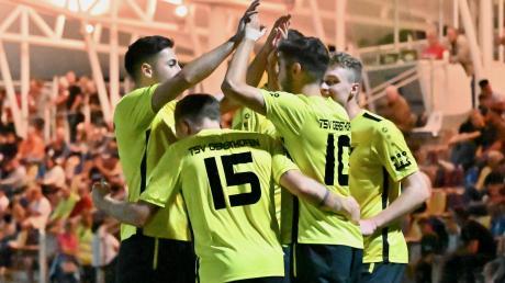 Durch einen Treffer in der Nachspielzeit kam der TSV Gersthofen in einem spektakulären Spiel nach einem 2:4-Rückstand noch zu einem 4:4-Unentschieden gegen den VfR Neuburg.