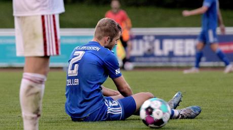 Enttäuschung nach dem Spiel bei Max Zeller und seinen Mannschaftskameraden von FV Illertissen: Die machten sich gegen Nürnberg nach Einschätzung ihres Trainers das Leben selbst schwer und kassierten eine Heimniederlage.
