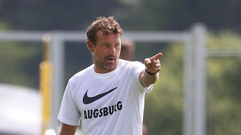 Wohin führt der Weg von Markus Weinzierl mit dem FC Augsburg? Der Heimpartie gegen Gladbach kommt da eine große Bedeutung zu.