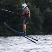 Am Wochenende treffen sich Europas beste Wasserskifahrer auf dem Friedberger See. Mit dabei ist auch der Nachwuchs des heimischen WSV, der in den vergangenen Wochen (hier Carlo Müller) fleißig trainiert hat.