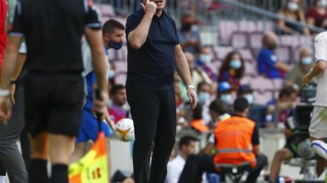 Cheftrainer Ronald Koeman steht in Barcelona in der Kritik.