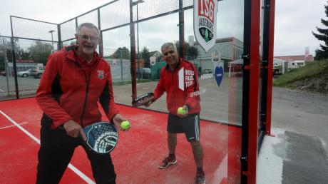 Mit Eifer und Spaß bei der Sache: Die TSG Augsburg (von links Herbert Hafner und Mori Kolivand) bietet jetzt Padel-Tennis an.