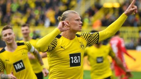 BVB-Stürmer Erling Haaland jubelt über seinen Treffer zum 2:0 gegen den FSVMainz 05.