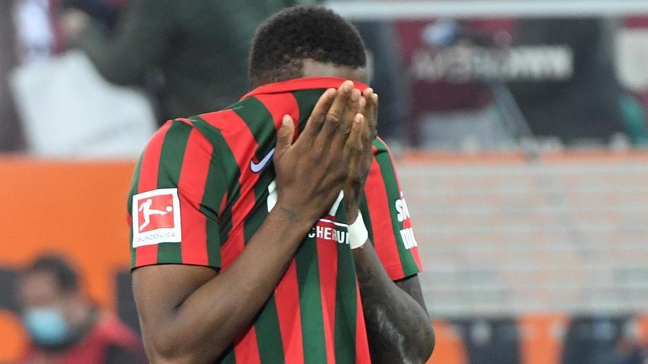 Reece Oxford erzielte sein Bundesliga-Premierentor für den FC Augsburg, war am Ende aber über das 1:1  enttäuscht.