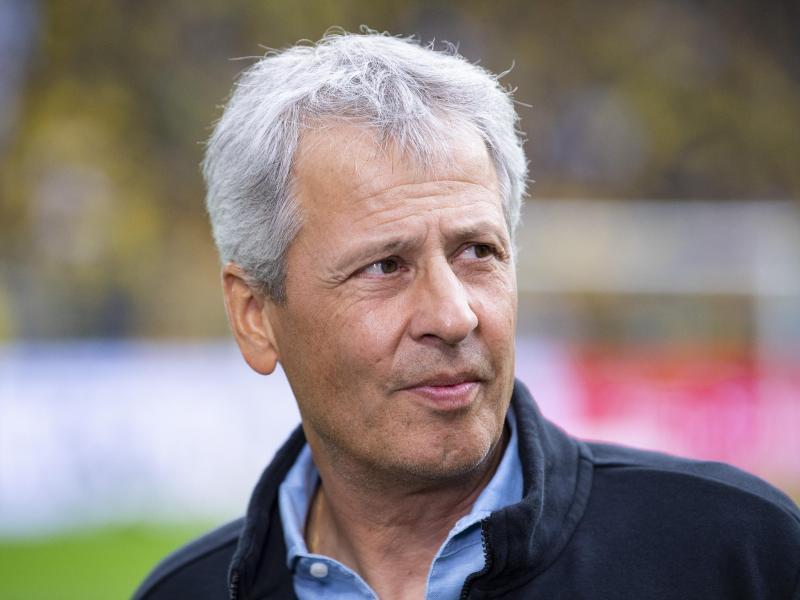 Dortmunds Trainer Lucien Favre nimmt das M-Wort noch nicht in den Mund. Foto: Guido Kirchner