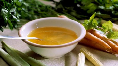 Viele wollen in der Fastenzeit etwas für ihre Gesundheit tun und setzen auf vegetarische Kost. (Bild: dpa)