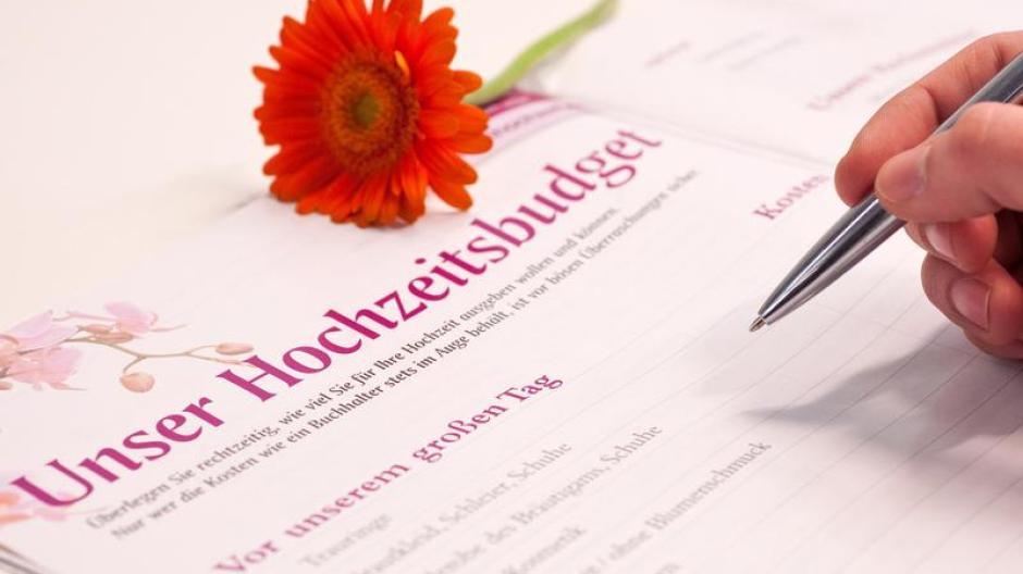 Finanzen Teurer Spass Kosten Fur Hochzeit Im Auge Behalten